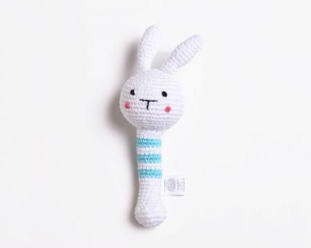 [:en]Hand Knit Bunny Rattle[:es]Sonajero Conejito Hecho a Mano[:it]Sonaglio Coniglietto Fatto a Mano[:]